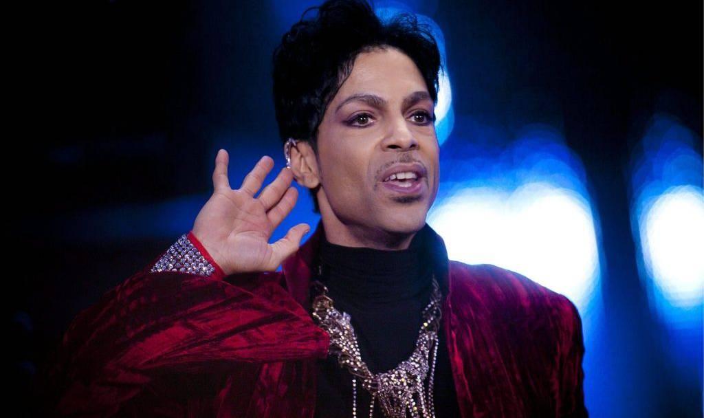 Prince nimmt das Publikum im Hallenstadion in seinen Bann