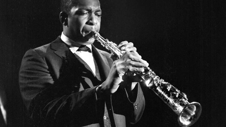 John Coltrane am Scheideweg zwischen Rückbesinnung und Aufbruch. Bild: CBS/Getty Images (New York, Mai 1963)