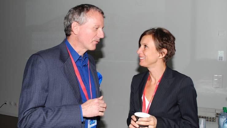 Rudolf Tanner, Hightech Zentrum Aargau bittet Ständerätin Pascal Bruderer um die parlamentarische Sicht bezüglich Energiewende.