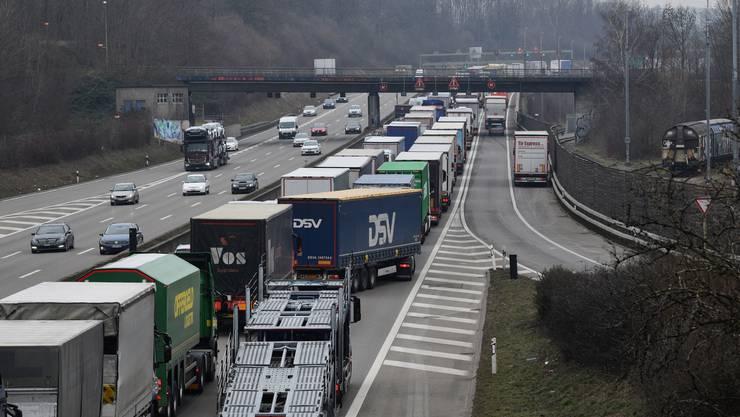 Nach dem Unfall auf der A2 am Dienstagmorgen brauchten die Verkehrsteilnehmenden viel Geduld.