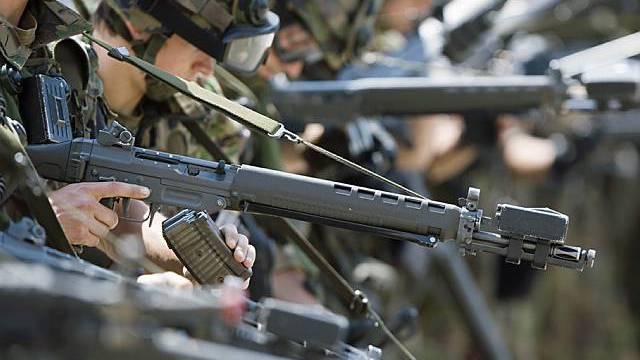 """Ausrüstung der Armee laut SIK """"unhaltbar"""" (Archiv)"""