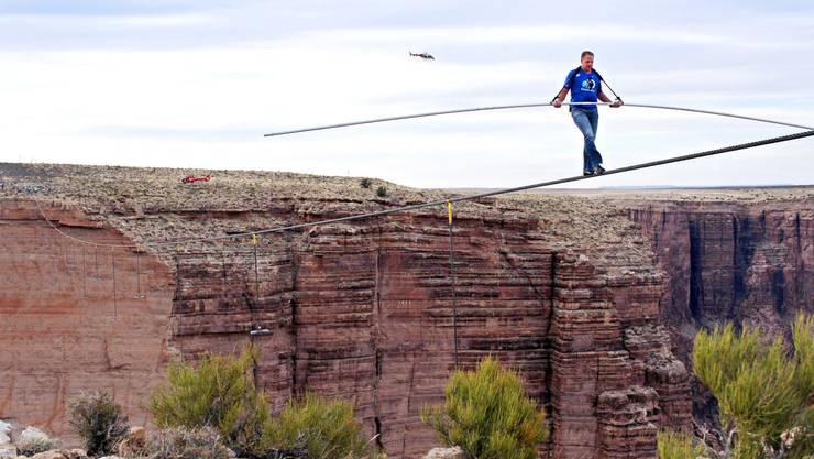 Waghalsig: Hochseilartist Wallenda läuft über den Grand Canyon