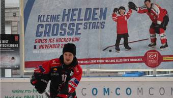 Stars am Swiss Ice Hockey Day in Urdorf