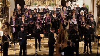 Der 25-köpfige Kirchenchor wagte sich an ein schwieriges Werk.