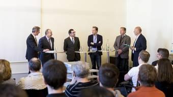 Die Podiumsteilnehmer (v.l.): Werner Mathys, Robert Häusler, Stefan Schrämli, Ronnie Schneitter, Peter Schneitter und Michael Hug.