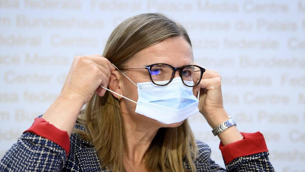 Virginie Masserey, Leiterin Sektion Infektionskontrolle beim BAG, informiert über die aktuelle Lage.