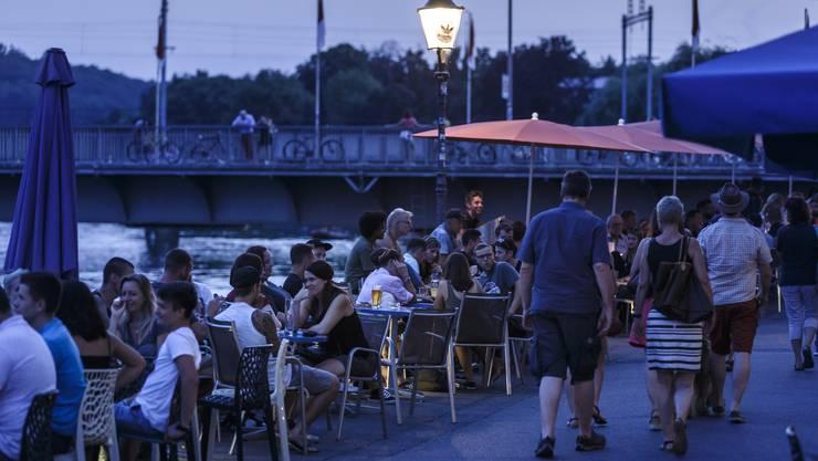 Solothurner Sommer-Abende sollen an Wochenenden bis 2 Uhr zu geniessen sein.