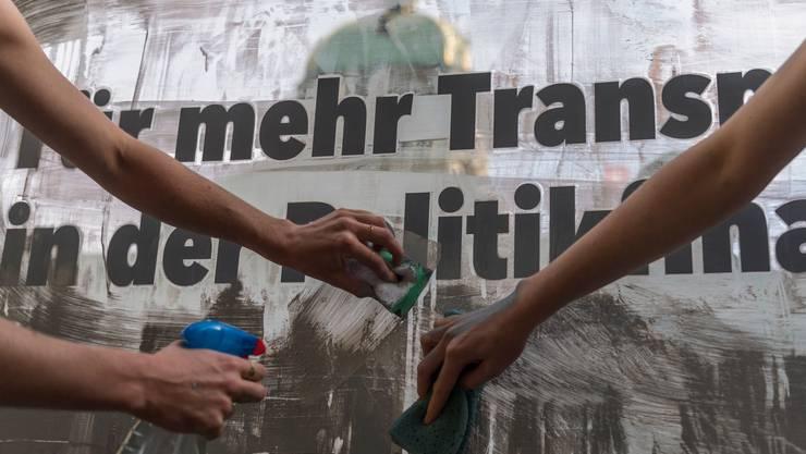 Die Berner Bevölkerung will den Durchblick bei der Parteienfinanzierung. (Symbolbild)