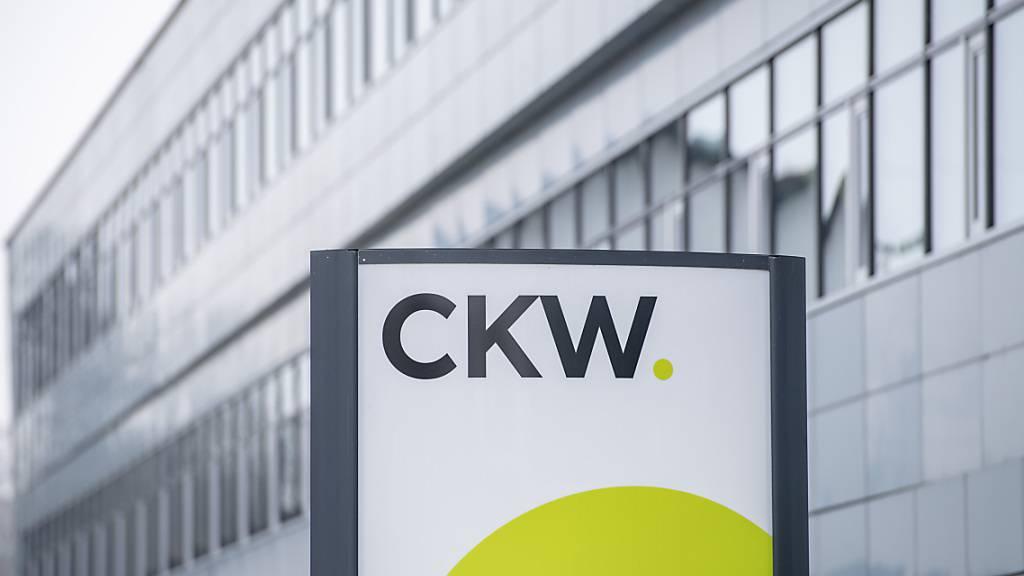 Die Luzerner CKW geht auf Einkaufstour in Basel: Sie übernimmt dort die Elektro Basilisk AG und stärkt damit ihr Solargeschäft. (Archivbild)