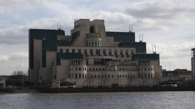 MI6-Gebäude in London: Geheimdienst für Jane Bonds (Archiv)