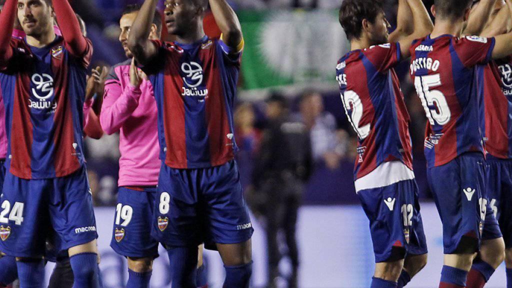 Grosser Jubel bei Levante: Der Aussenseiter bescherte Meister Barcelona die erste Niederlage