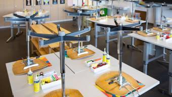 Vier Klassen aus zwei Schulen müssen in Zofingen in Quarantäne. (Symbolbild)