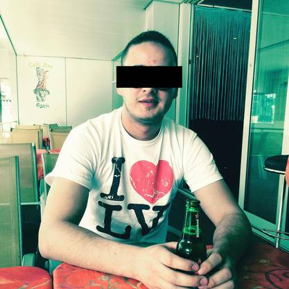 Es handelt sich um einen 28-jährigen Kroaten aus Unterentfelden. (Zum Bild: Hier trägt er eine grosse Sonnenbrille.)