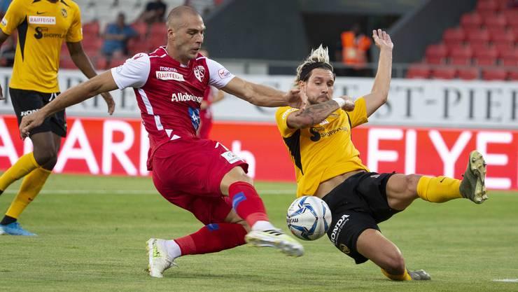 Pajtim Kasami (Sion, links) und Jordan Lefort (YB, rechts) kämpfen um den Einzug in den Cupfinal.