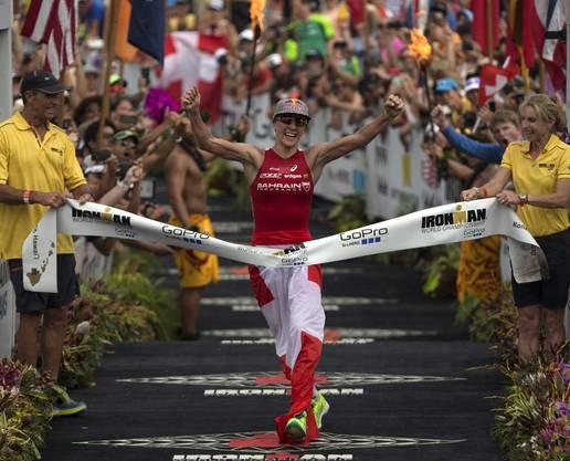 2015 gewann Ryf in 8 Stunden, 57 Minuten und 57 Sekunden ihren ersten Ironman Hawaii.