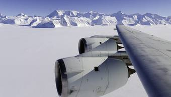 Flugzeug in der Antarktis (Symbolbild)