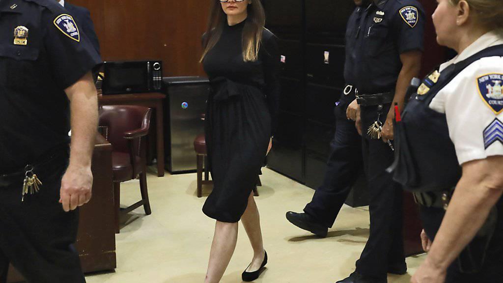Ihren Prozess in New York machte sie mit einer extravaganten Kleiderwahl zu einer Show: die deutsche Hochstaplerin Anna Sorokin.