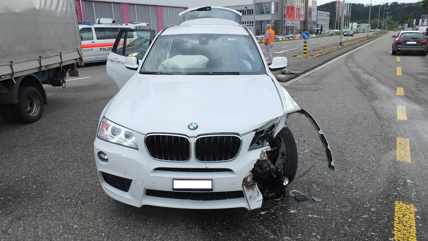 An den Autos entstand ein Sachschaden von mehreren Tausend Franken.