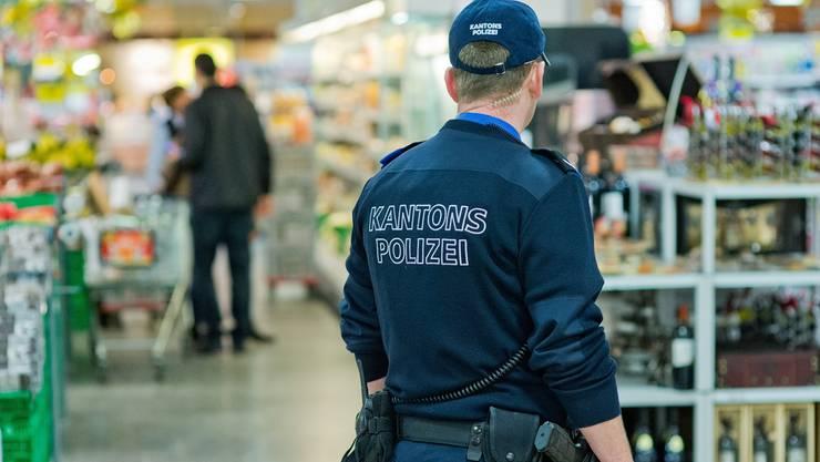 Das Vertrauen der Bevölkerung in die Polizeiarbeit ist in den letzten Jahren markant gestiegen. (Symbolbild)
