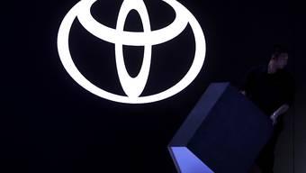 Der japanische VW-Rivale Toyota hat in der ersten Hälfte des laufenden Geschäftsjahres (31. März) einen Rekordgewinn eingefahren. (Archiv)