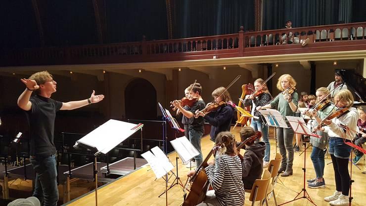 Komponist David Bircher anlässlich der Gesamtprobe der Musikschule Solothurn.