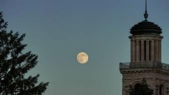 Wenn am Freitag die Sonne untergeht und der Mond am Himmel steht, findet in der Stadtkirche der Anlass «Summertime Summertime» statt.