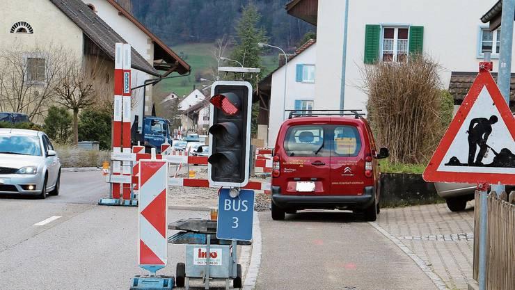 Ein Wittnauer fordert, dass die Strassenlampen nachts durchgehend leuchten – auch, um die Sicherheit bei der Baustelle im Dorf zu erhöhen.
