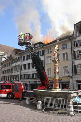 Am 29. März brach in einem Dachstock in der Solothurner Altstadt ein Feuer aus. Vier Häuser waren betroffen. Zahlreiche Bewohner mussten sich eine neue Bleibe suchen.
