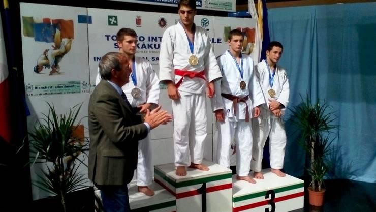 David Vavrecka aus Füllinsdorf (Zweiter v.r.) klassierte sich mit der Bronzemedaille auf dem dritten Rang.