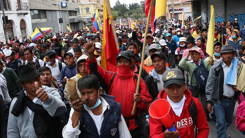 Neue Demonstrationen in Ecuadors Hauptstadt Quito gegen die Erhöhung der Benzinpreise verliefen am Mittwoch friedlich.