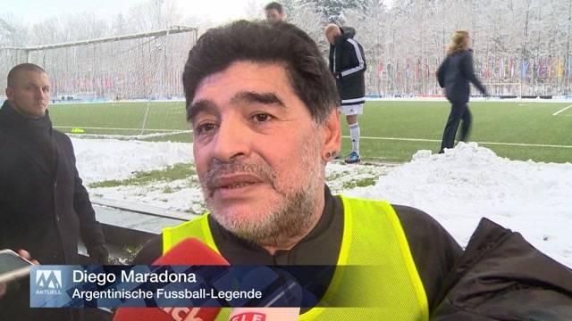Fussball-Legenden zurück  auf dem Spielfeld