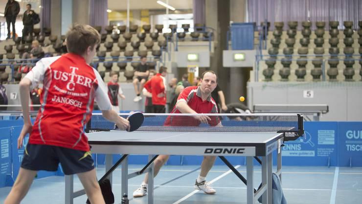 Mauel Koller im Spiel gegen einen jungen Ustemer.