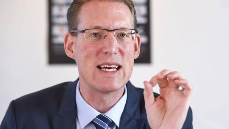 Bilaterale Ja, aber nur, wenn der Lohnschutz garantiert ist: Der Präsident von Travail.Suisse, Nationalrat Adrian Wüthrich (SP/BE).