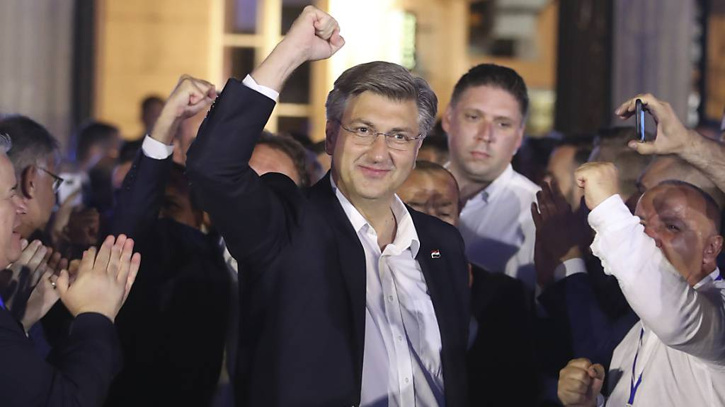 Nach Wahlen bleibt Konservativer Plenkovic an der Macht