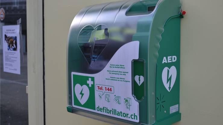 Die öffentlich zugänglichen Defibrillatoren werden registriert.