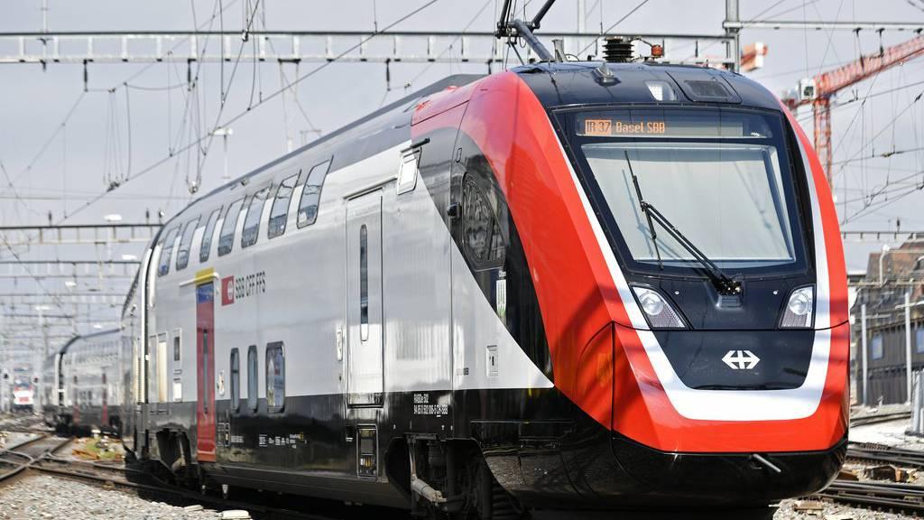 Abfahrt des Fernverkehrs-Doppelstockzugs FV-Dosto im Zürcher Hauptbahnhof am Mittwoch, 1. Mai 2019.