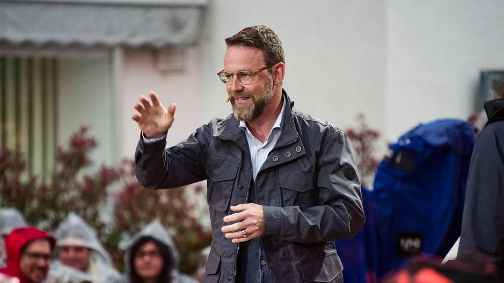 Moderator Nik Hartmann bei «SRF bi de Lüt» in Bad Zurzach vor einem Jahr.