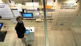 Kurator Marc Griesshammer in der neuen Ausstellung.