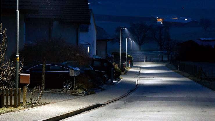 Viel Licht, aber kein Auto: Das Tiefbauamt testet für solche Situationen nun Stromsparmassnahmen (Themenbild).