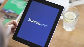 Sie gewinnen bei Hotels immer grösseres Gewicht, sind aber nicht unumstritten: Online-Buchungsplattformen wie Booking.com. (Archiv)