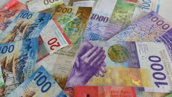 Wegen der Coronakrise werden derzeit unbürokratisch Kredite verteilt. (Symbolbild)