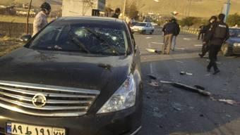 Dieses von der Nachrichtenagentur Fars veröffentlichte Foto zeigt den Ort, in dem Mohsen Fakhrizadeh in Absard, einer kleinen Stadt östlich der Hauptstadt Teheran getötet wurde. Ein hochrangiger iranischer Atomphysiker und Raketenspezialist ist im Iran einem Mordanschlag zum Opfer gefallen. Foto: Uncredited/Fars News Agency/AP/dpa