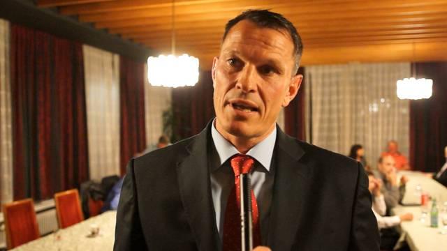 «Ich will ein neues Gedankengut in den Gemeinderat bringen»: SVP-Gemeinderats-Kandidat Roland Vogt auf den Zahn gefühlt.