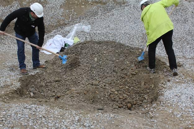 Das Loch wird zugeschüttet - dem Baustart steht nichts mehr im Weg