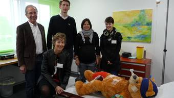 Im Notfallzimmer (v.l.): Christoph und Katharina Cina, Christoph Rey, Claudia Engesser-Bähler und Karin Wetzel.