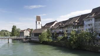 In Mellingen wird das Wasser langsam knapp. «Wassersparen ist wichtig – bitte helfen Sie mit», schreibt nun der Gemeinderat. (Archivbild)