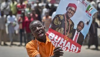 Ein Anhänger von Oppositionskandidat Muhammadu Buhari