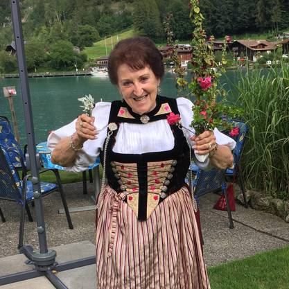 Rosmarie Rupp, 84†, in ihrer Tracht am Brienzersee.