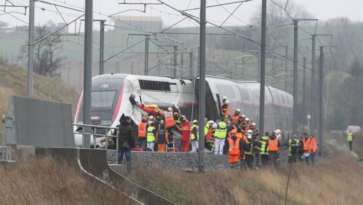 Beim Zugunglück wurden 21 Personen verletzt.
