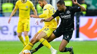 Gelson Fernandes bedrängt Chelseas Ruben Loftus-Cheek